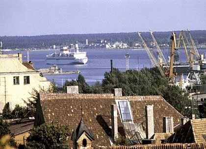 Blick auf den Seehafen von Tallinn: Die Touristen hält es noch nicht lang genug