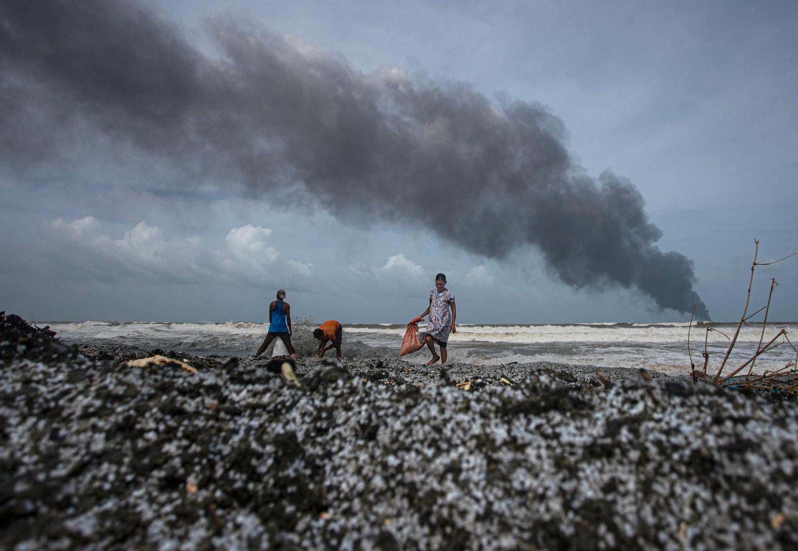 Sri Lanka Ship Fire