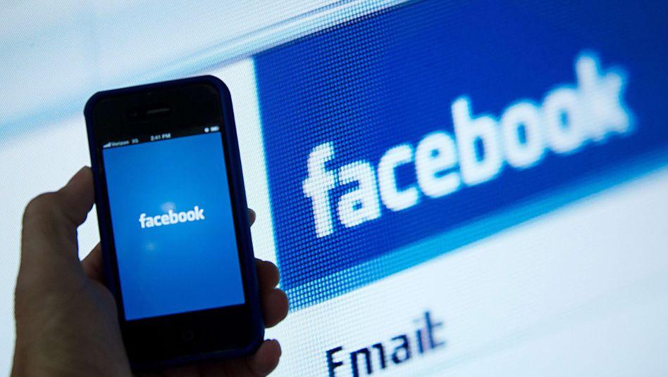 Facebook-App auf dem Handy: SPIEGEL-ONLINE-Artikel direkt in der App