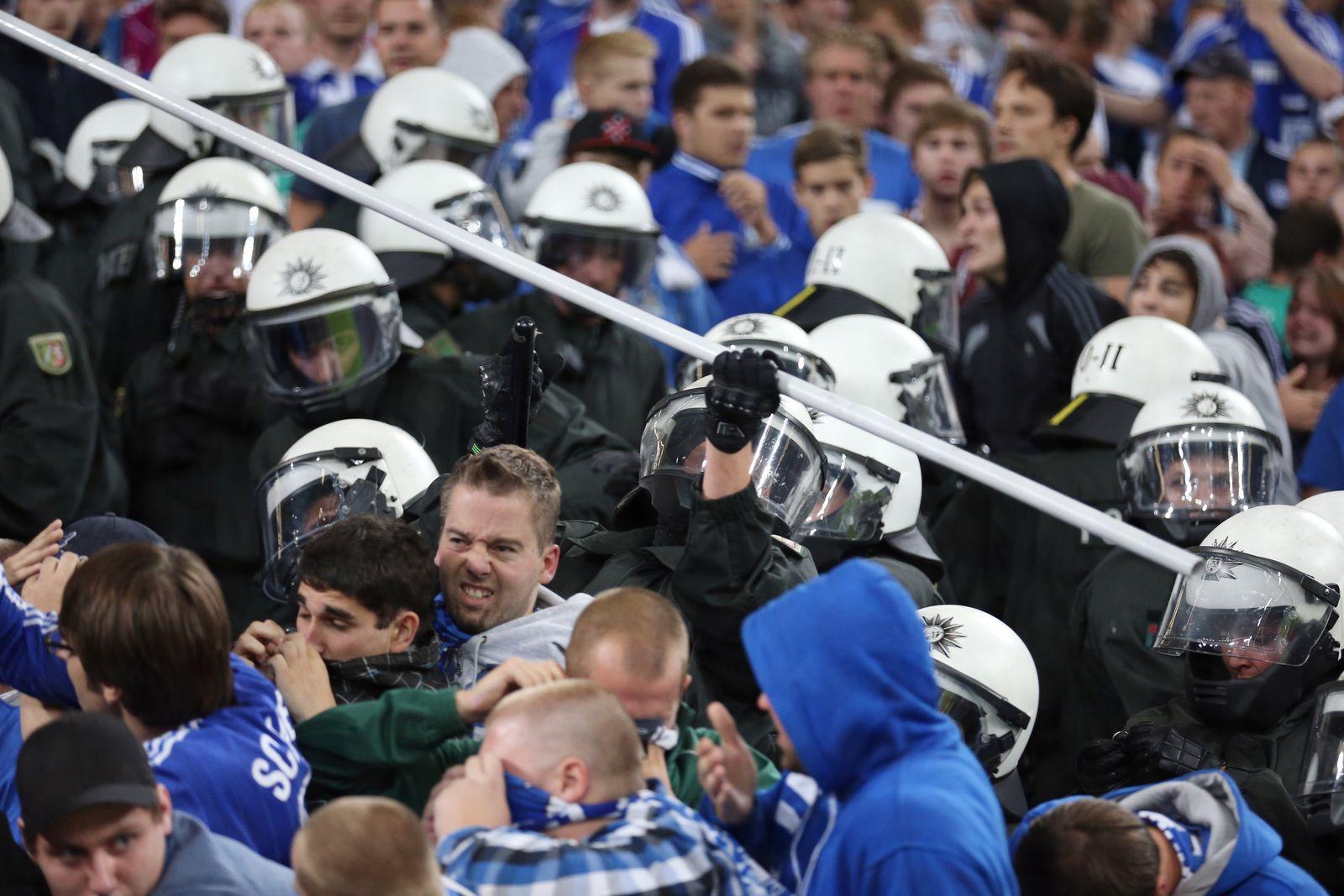 FC Schalke 04 - PAOK Saloniki - Kurve