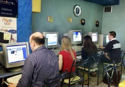 Meinungsäußerungen nur eingeschränkt möglich: Internet-Café in der syrischen Hauptstadt Damaskus