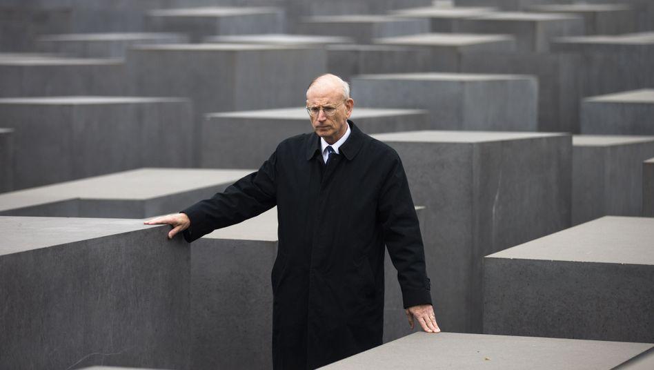 """JCC-Unterhändler Eizenstat in Berlin: """"Bemerkenswerte Haltung der Bundesregierung"""""""