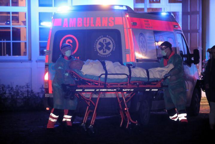 Anwalt Giertych vor dem Transport im Krankenhaus: An diktatorische Schaujustiz erinnernde Festnahme
