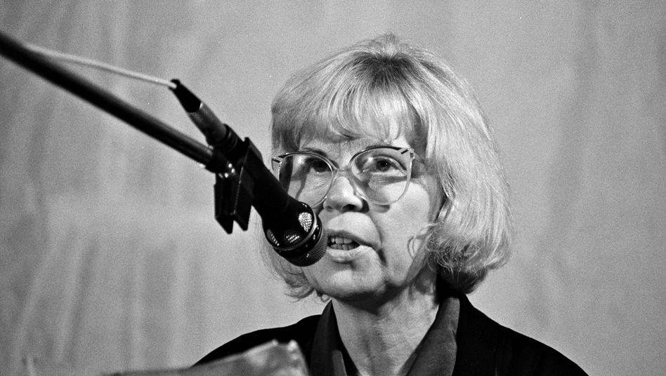 """Autorin Helga Königsdorf (1989 in Berlin): """"Ich gehe unter Protest"""""""