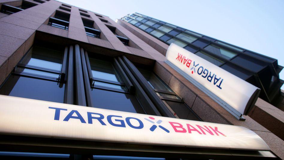 Targobank-Zentrale in Düsseldorf: Dispo-Zinsen von mehr als 14 Prozent