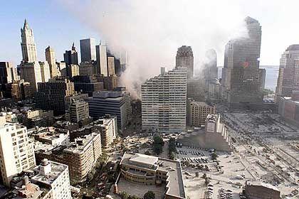 Nach den Attacken: Rauch steigt noch immer auf