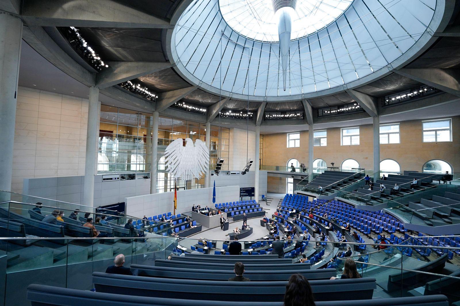224. Bundestagssitzung und Debatte in Berlin Symbolbild des Plenarsaal waehrend einer Sitzung des Deutschen Bundestag i