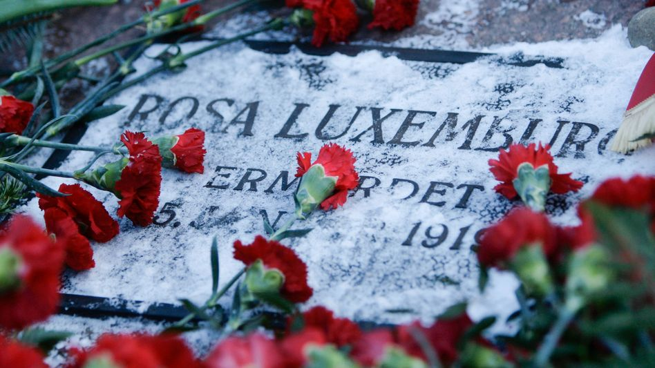 If Berlin officials have their way, Rosa Luxemburg's body might finally make it to the grave that has borne her name for 90 years.
