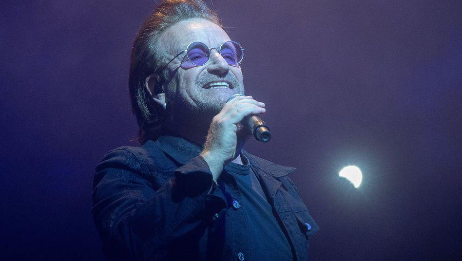 Bono, Sänger der irischen Rockband U2 (am 31.8. in der Berliner Mercedes-Benz-Arena)