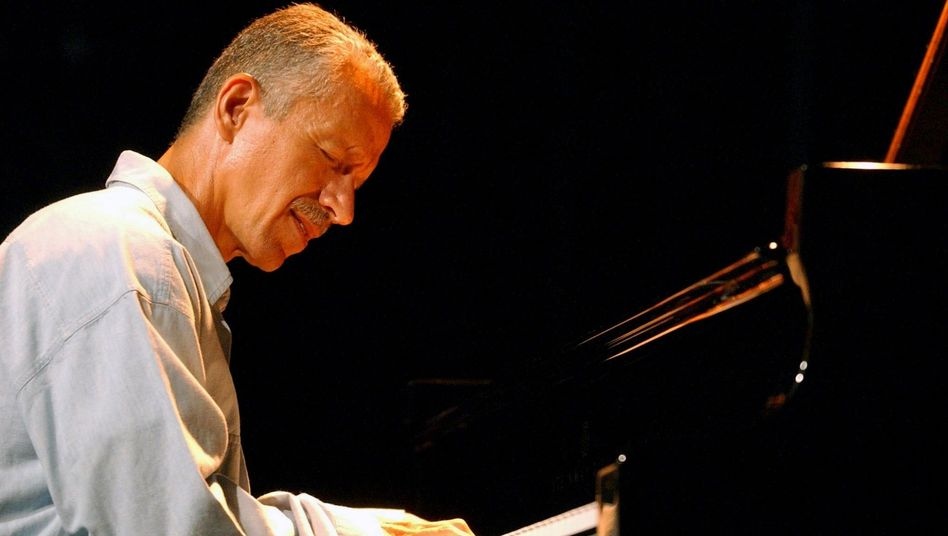 Jazz-Pianist Jarrett bei einem Auftritt in Montreux, 2002: Bitte Ruhe!