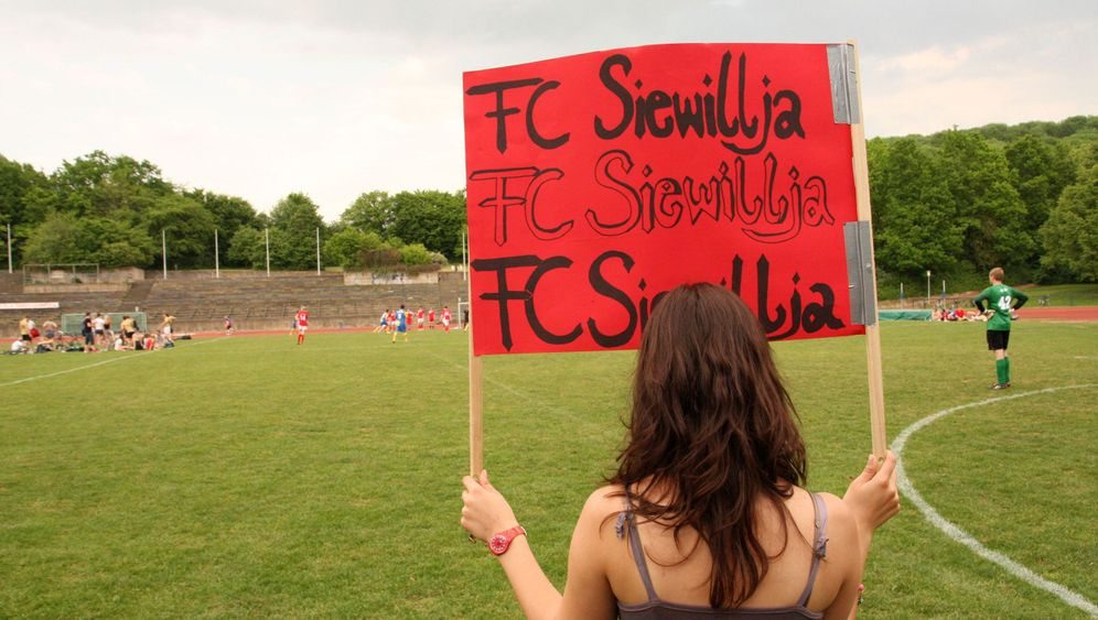 Sexismus-Zoff in der Uni-Liga: Fußball, Bier und Plastikpimmel