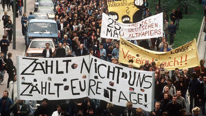 """Volkszählung: """"Zählt nicht uns, zählt eure Tage"""""""