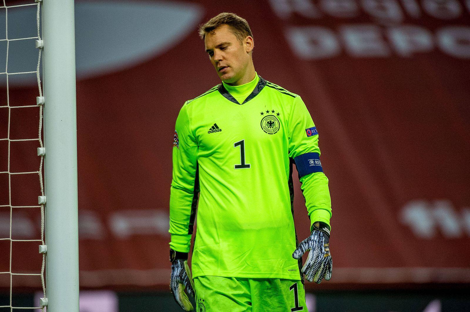 Im Manuel Neuer (Deutschland, 01) betruebt, GER, Spanien vs. Deutschland, Fussball, UEFA Nations League, Saison 2020/202