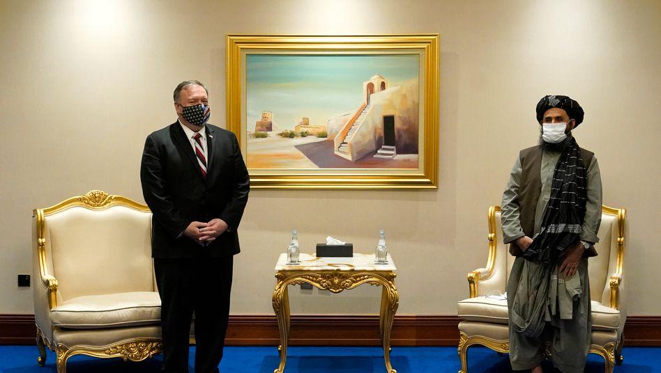 US-Außenminister Mike Pompeo trifft Mullah Abdul Ghani Baradar, Vizechef der Taliban