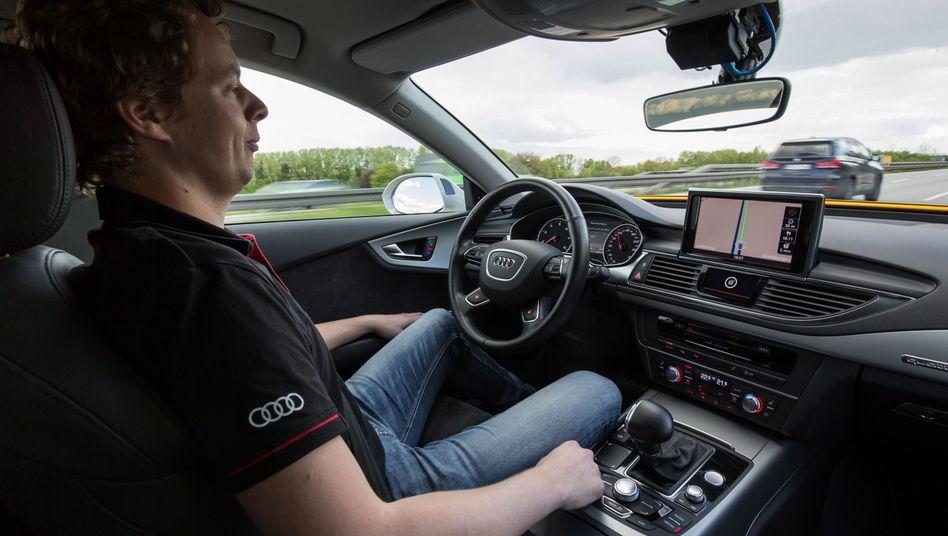 Autonom fahrendes Versuchsfahrzeug
