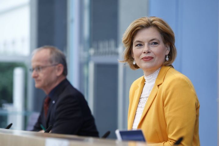 Agrarministerin Klöckner: faire Preise für faire Ställe
