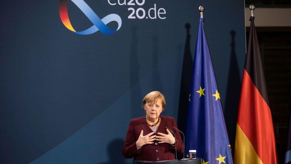 Angela Merkel bei einer Pressekonferenz nach dem Videogipfel der G20: »Deutschland hat selten nichts gemacht. Aber Deutschland kann auch nicht allein die internationale Allianz aufrechterhalten.«