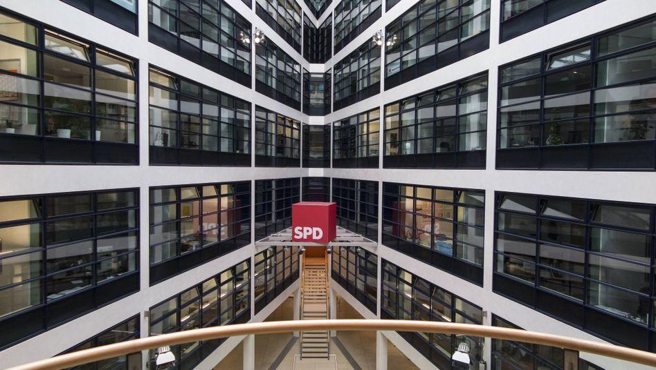 Willy-Brandt-Haus in Berlin: Räumung nach einer Bombendrohung