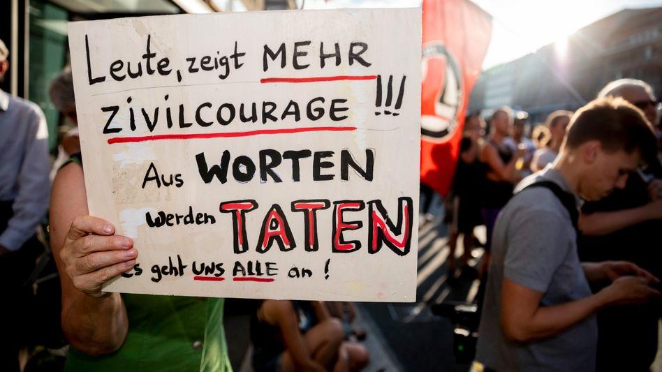 Kundgebung gegen rechte Gewalt (in Berlin)