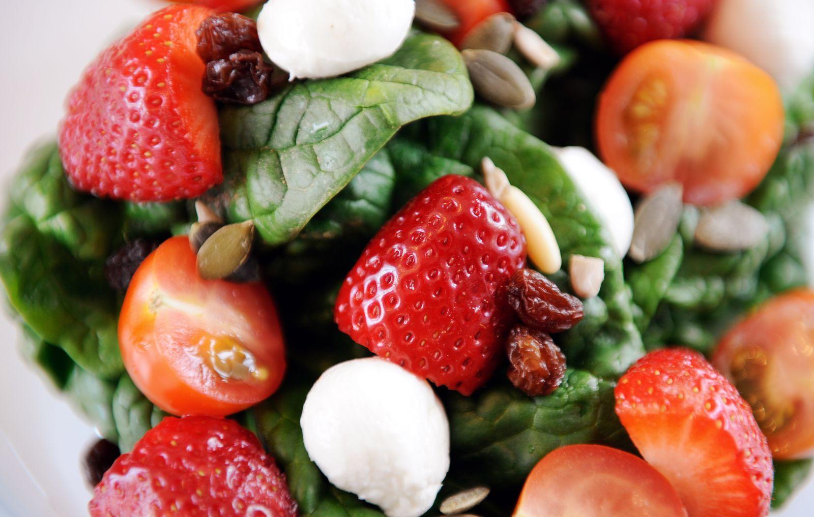 NICHT VERWENDEN Rohkost / Salat / Erdbeeren