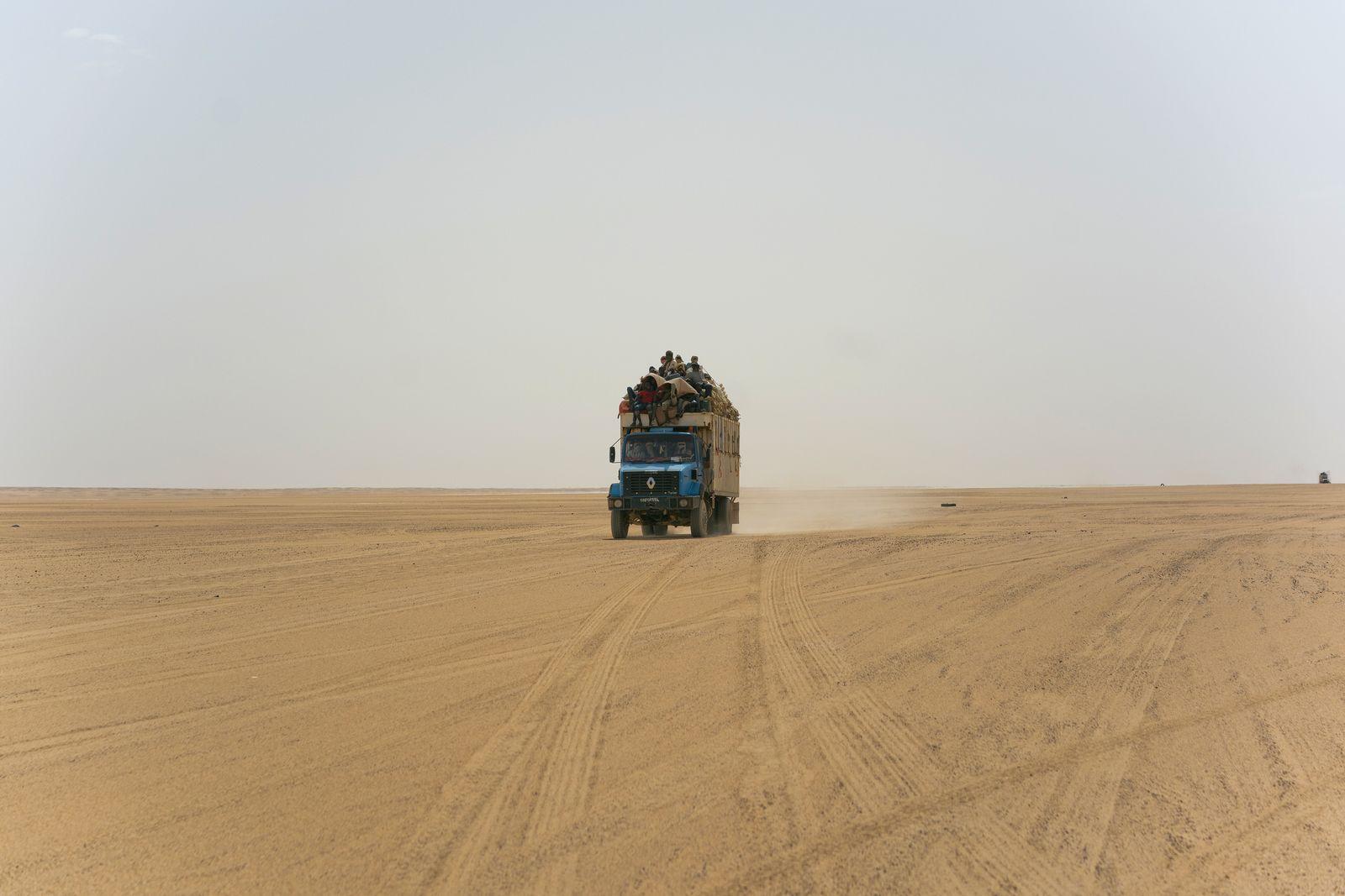 Niger Sahara Desert Road Photo Essay