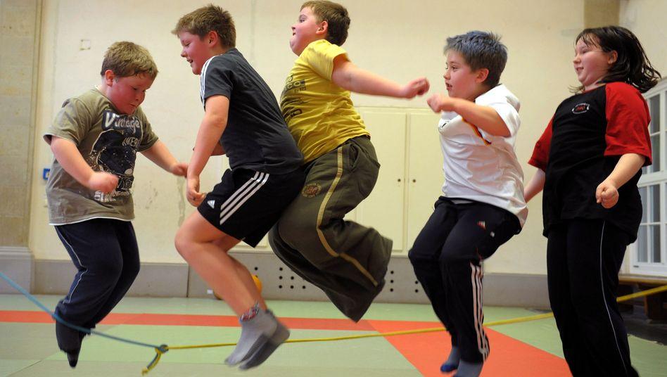 Kinder beim Sport: Nur jedes dritte Kind weltweit bewegt sich ausreichend