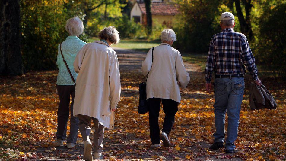 """Rentner im Park: """"Die nächste Generation hat vielleicht gelernt, sich politisch mehr zu wehren"""""""