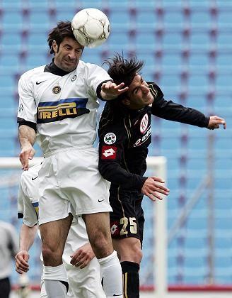 Inter-Star Figo gegen Udines Morosini: Vorteil Mailand