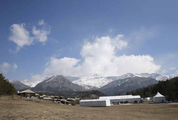 Zelte nahe der Germanwings-Absturzstelle