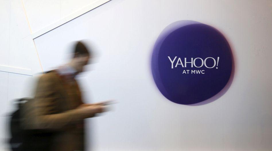 Yahoo-Logo auf einer Messe: Die Marke gehört seit einiger Zeit zu Verizon Media