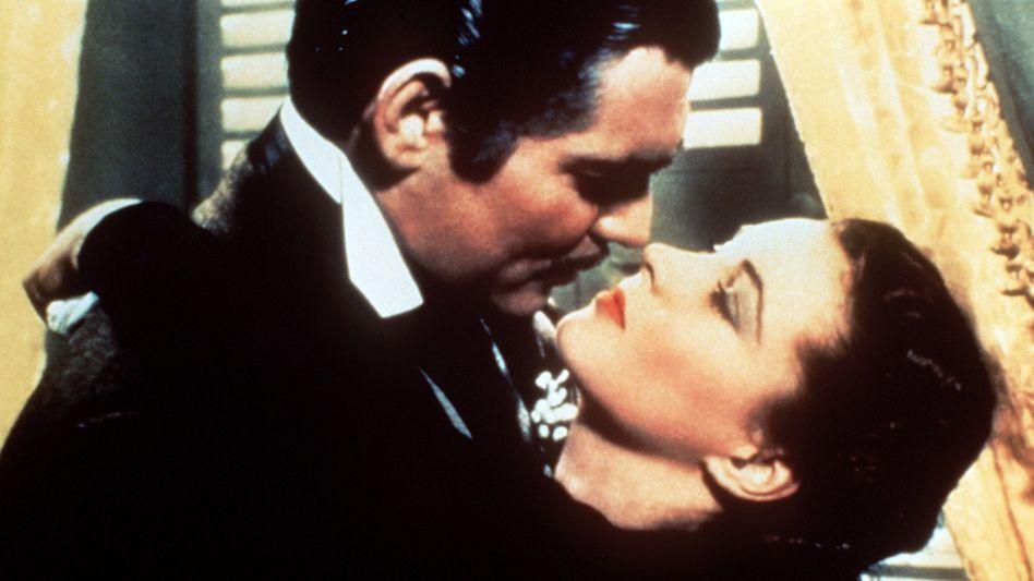 """Clark Gable umarmt in """"Vom Winde verweht"""" Vivien Leigh - der Film ist nun nicht mehr bei HBO Max zu sehen"""