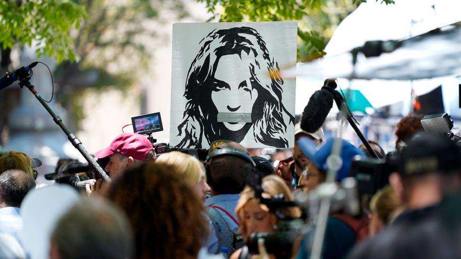 Fans vor dem Gericht in Los Angeles: »Free Britney!«