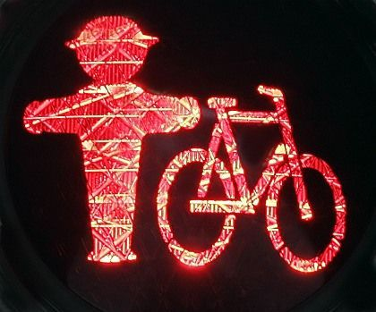 Pedestrians and cyclists in Bohmte will have to rely on their wits from now on -- the town is abolishing traffic signs.