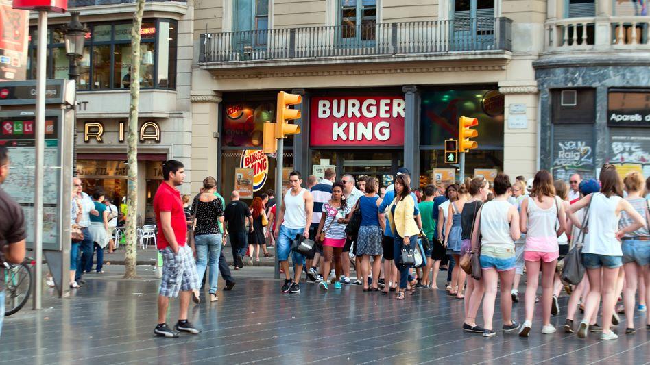 """Filiale von Burger King in Barcelona: """"Sie verpflichten mich, meinen Bart abzurasieren"""""""