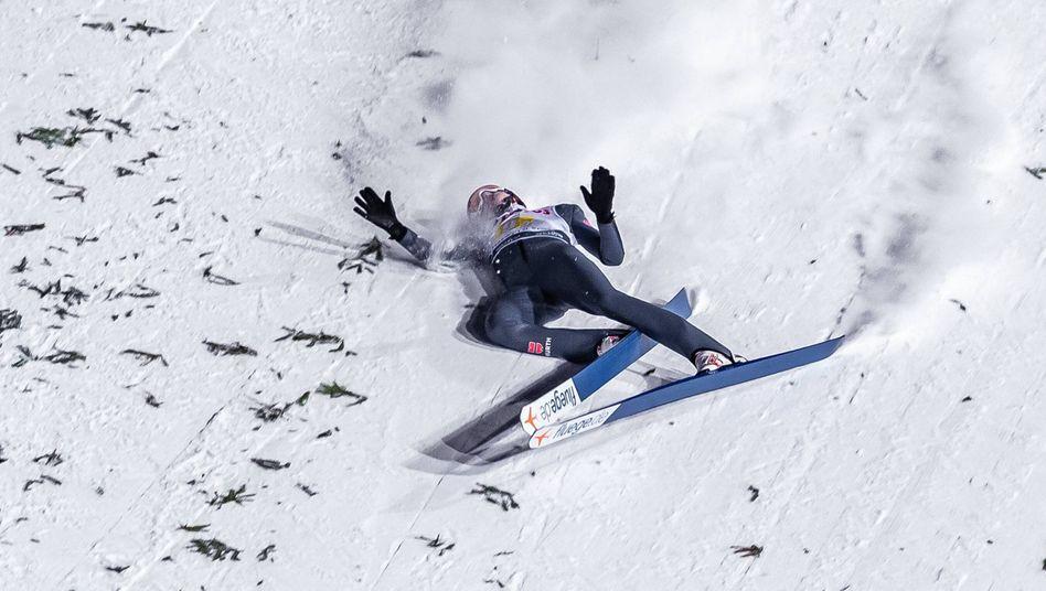 Der deutsche Skispringer David Siegel stürzte vor einem Jahr in Zakopane und erlitt einen Kreuzbandriss