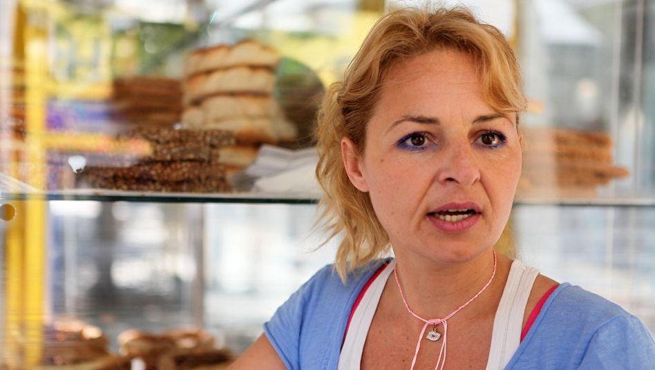 """Verkäuferin Giza: """"Zum Glück wollen die Leute auch weiterhin ihre Sesamkringel kaufen"""""""