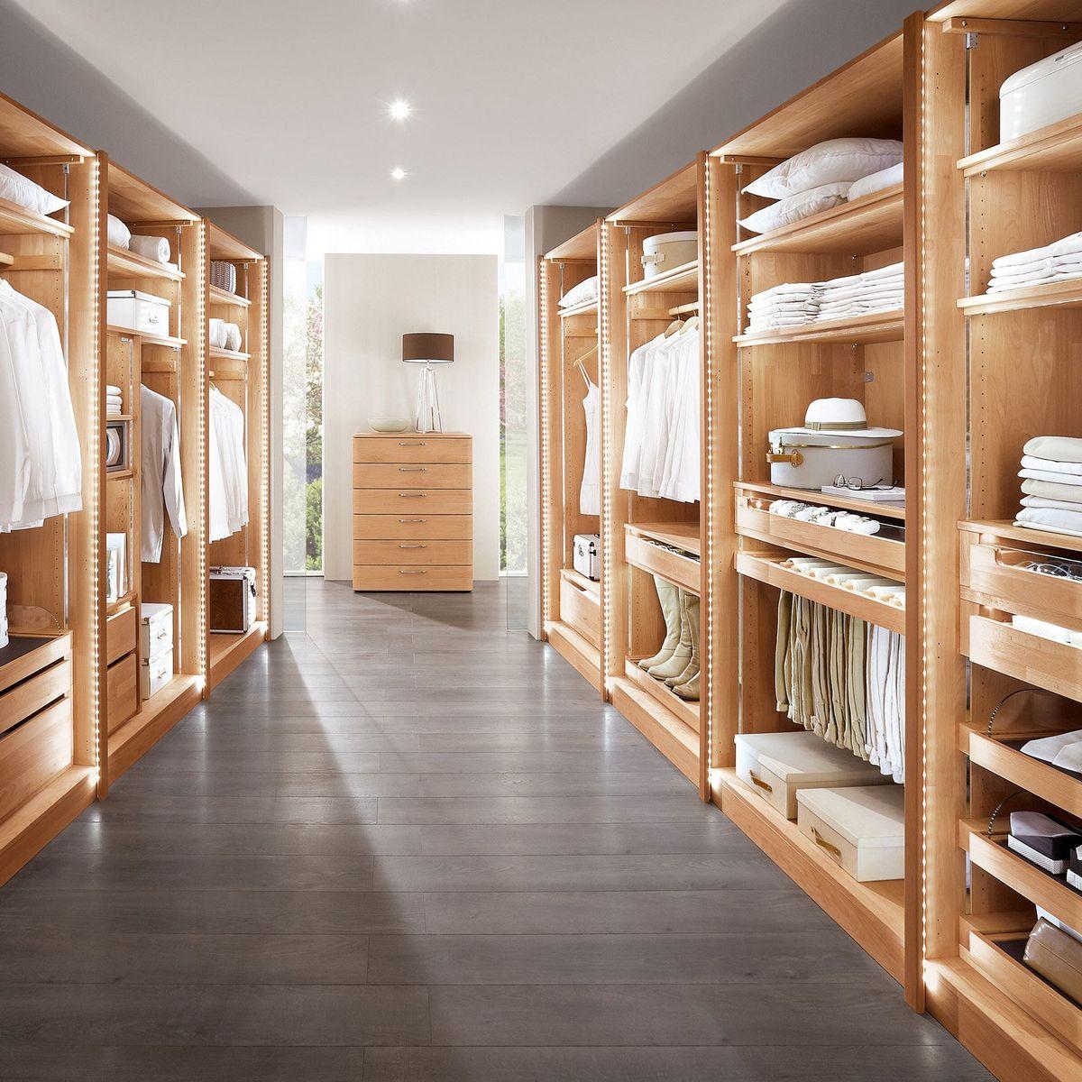 Kleiderschrank Nach Mass Diese Funf Fragen Helfen Bei Der Planung