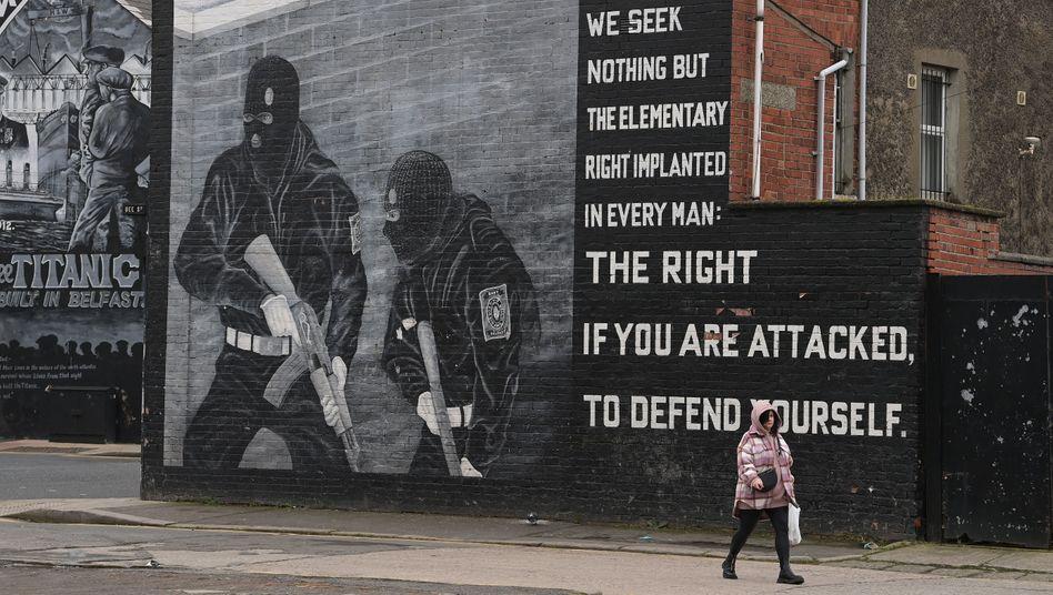 Wandgemälde probritischer Unionisten in Belfast