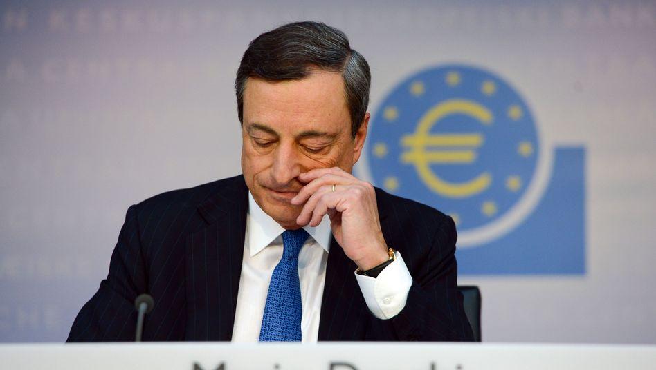 EZB-Chef Draghi: Geldpolitisches Neuland