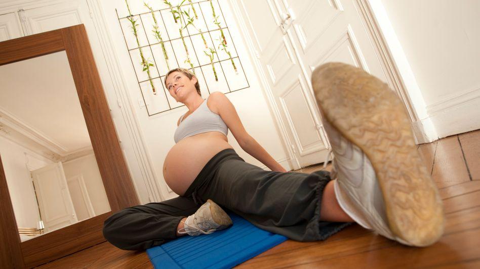 Stretching mit Bauch: Alles was sich gut anfühlt, schadet dem Baby nicht
