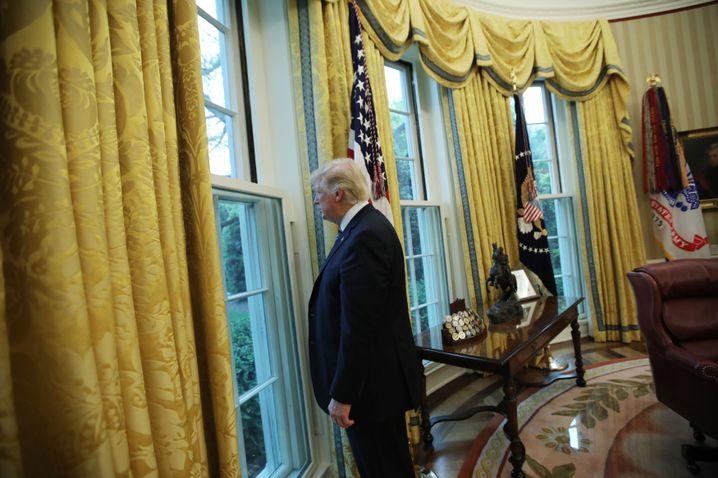 """Präsident Trump im Oval Office: """"Er hat nicht den Charakter, er verfügt nicht über das notwendige Wissen"""""""