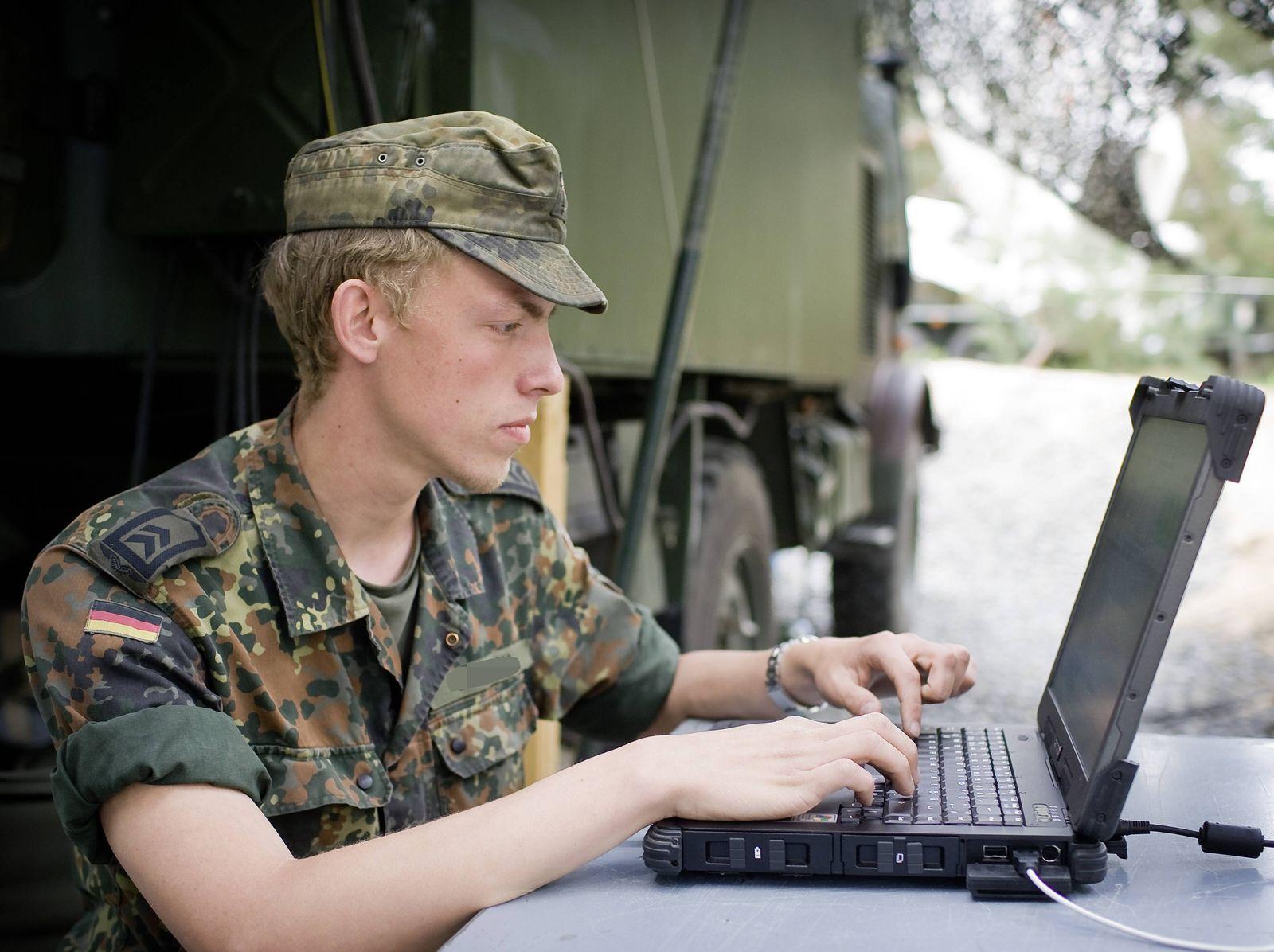 Bundeswehr/ Laptop