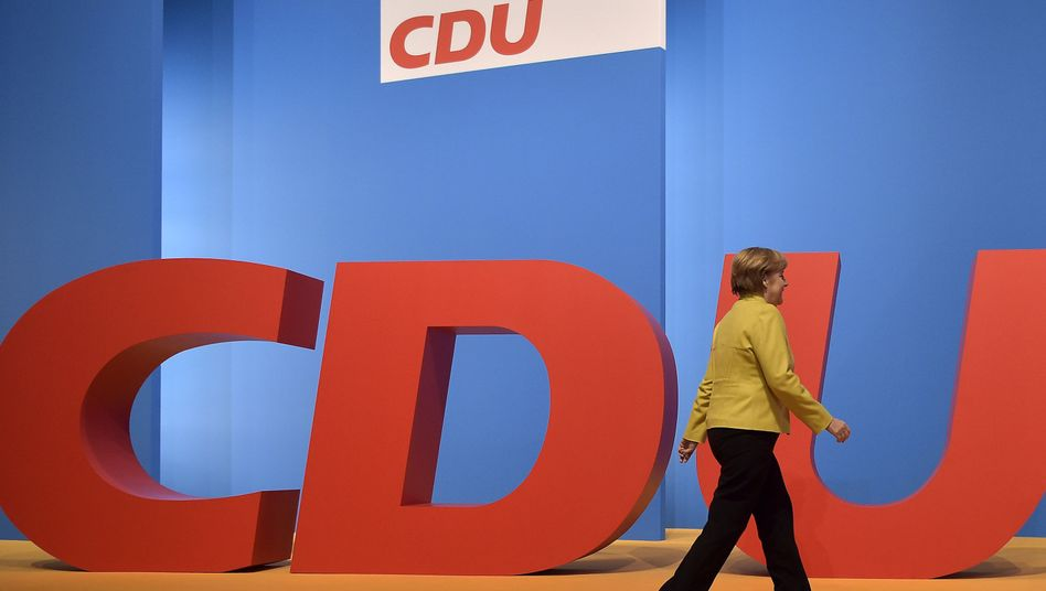 Kanzlerin Merkel (Archivbild): Neue Angriffe von den Sozialdemokraten
