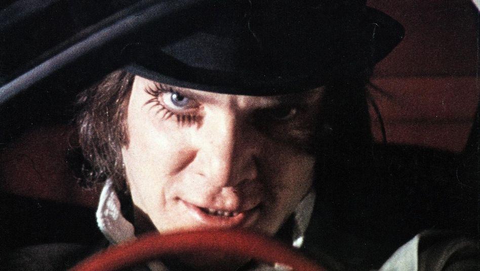 """Szene aus der Verfilmung von """"A Clockwork Orange"""" mit Schauspieler Malcolm McDowell von 1971"""