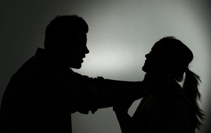 Gewalt (Szene nachgestellt): Weniger Körperverletzung, weniger Raub