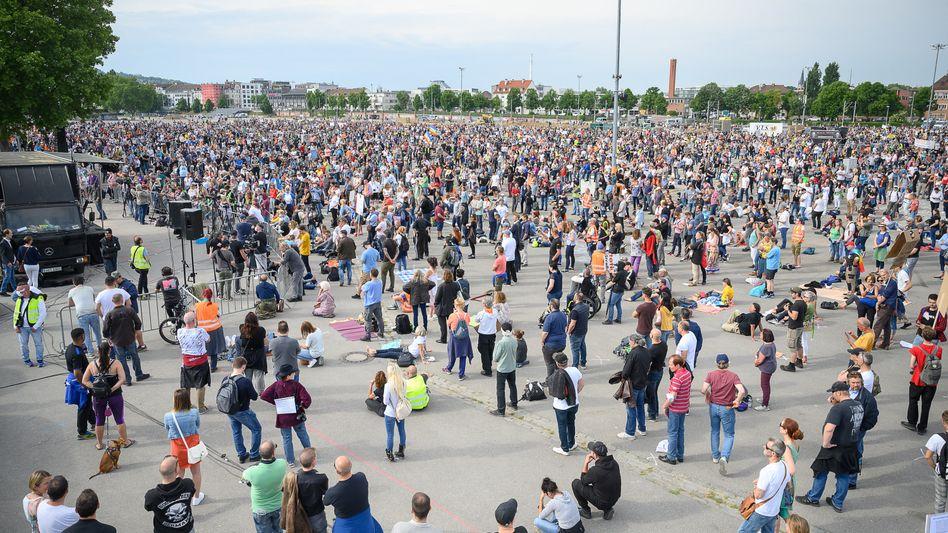 Demo der Initiative »Querdenken 711« in Stuttgart (im Mai)