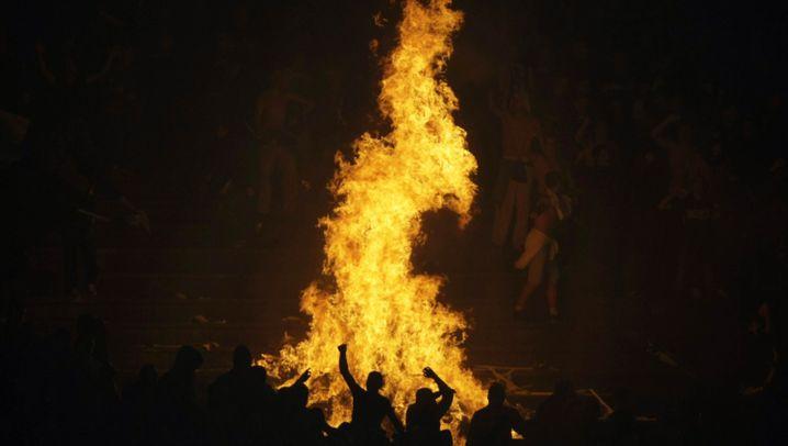 Krawalle beim Belgrad-Derby: Feuer und Wasser