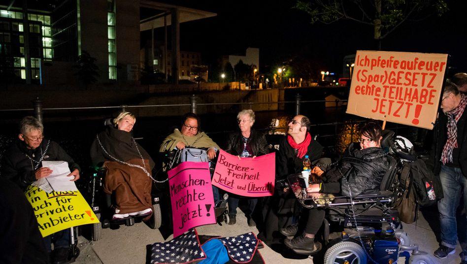 Protest von Rollstuhlfahrern