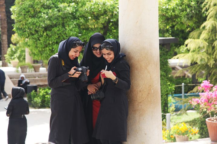 """Junge Menschen in Shiraz: """"Natürlich ist das eine positive Entwicklung"""""""