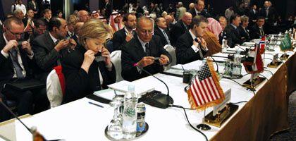 """US-Außenministerin Clinton auf der Geberkonferenz für Gaza: """"Geld im Überfluss"""""""